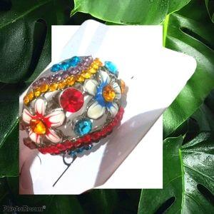 NWT flower Ring